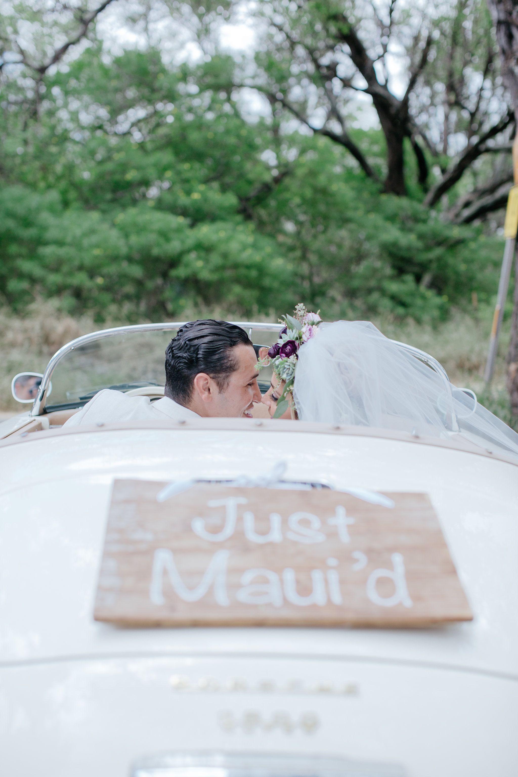 Wedding beach house  Hoda u Tarek said their ucI Dousud in a private and intimate wedding