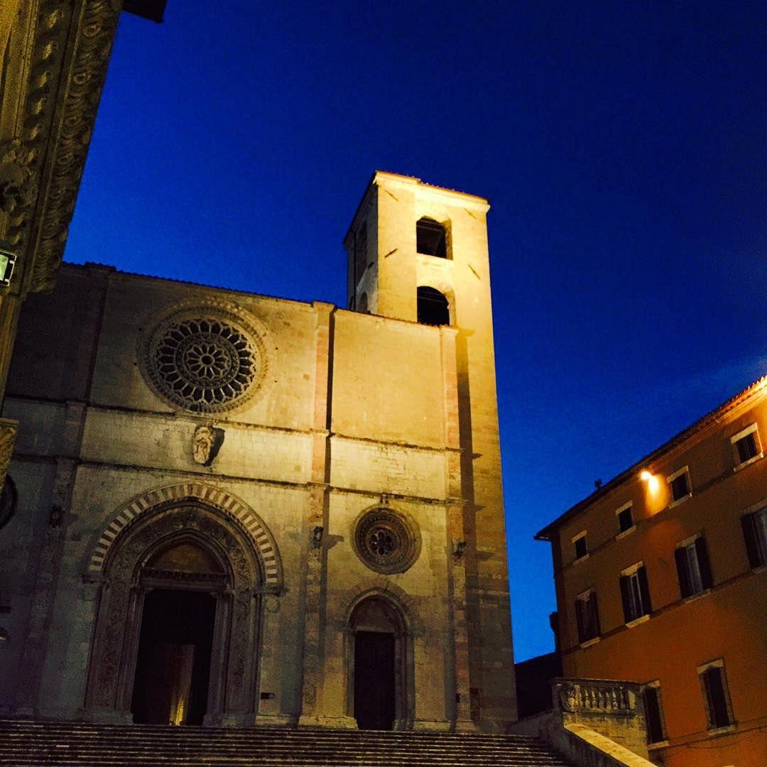 Sentindo falta dessas noites...  #coresdetodi #minhavidaitaliana #umbria #todi #italia