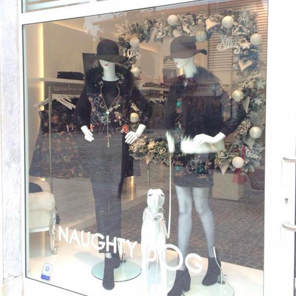 Nuova vetrina a Forte dei Marmi! Ci trovate, come sempre, in Piazzetta Tonini 13!