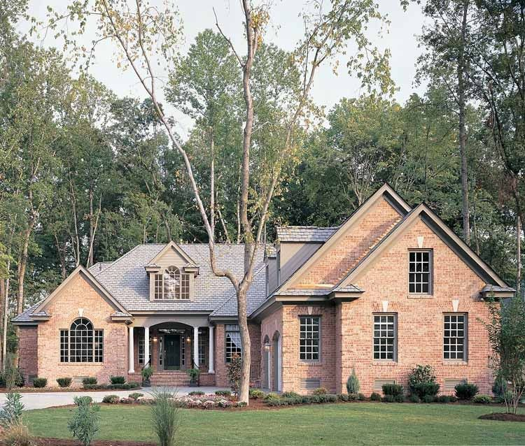Traditional Style House Plan 4 Beds 2 5 Baths 2625 Sq Ft Plan 929 177 Milford House American Houses Irish Houses