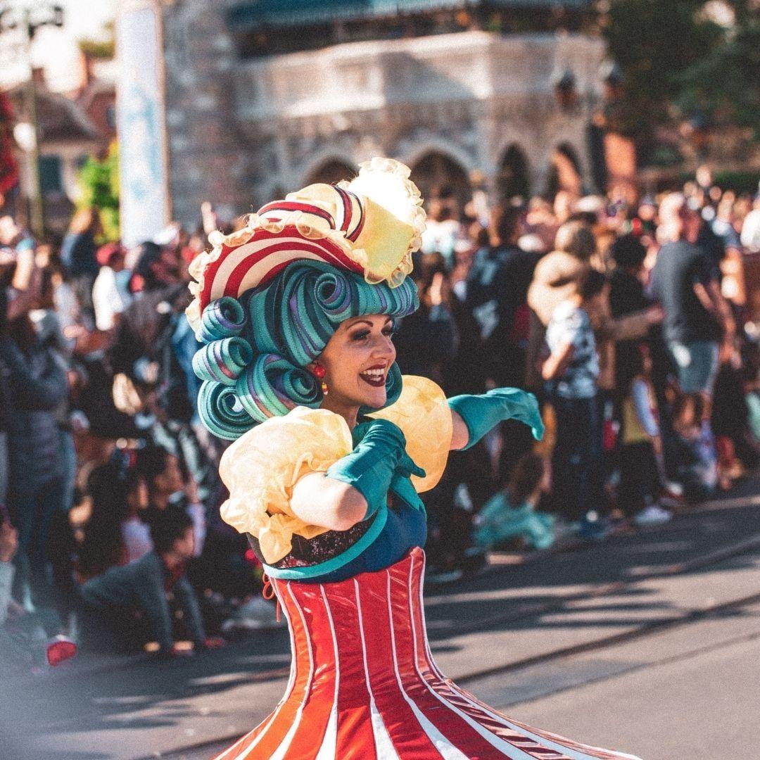 ديزني لاند أكبر مجمع للألعاب الترفيهية في أوروبا يصلح للصغار والكبار ديزني لاند من أضخم المدن الترفيهية Disney Vacation Club Member Disney World Disney Hotels