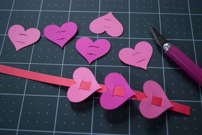 Simple Paper Craft Ideas For Kids Part - 40: Easy DIY Valentineu0027s Day Paper Heart Bracelets For Kids