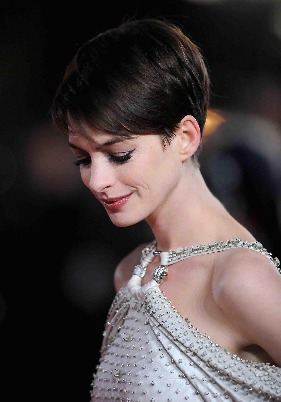 11 Peinados Para Pelo Corto Cabello Pinterest Anne Hathaway