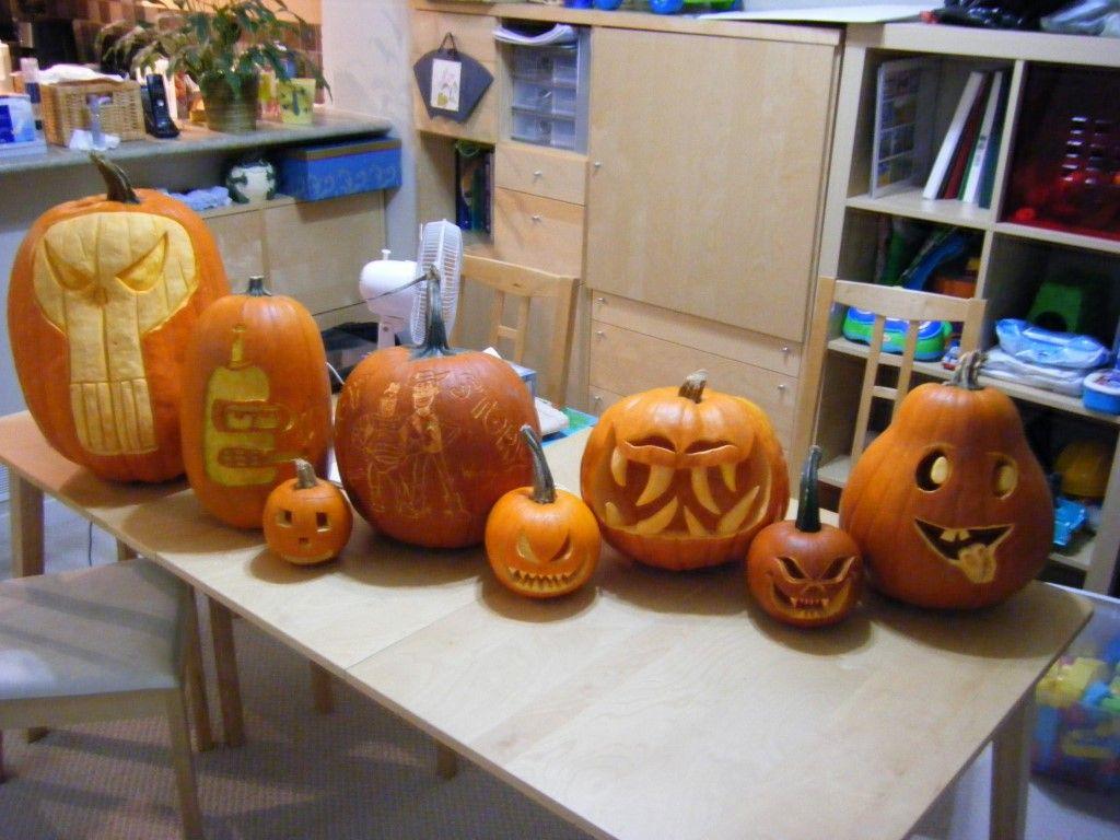 2010 group photo halloween pumpkin jack o lantern peter