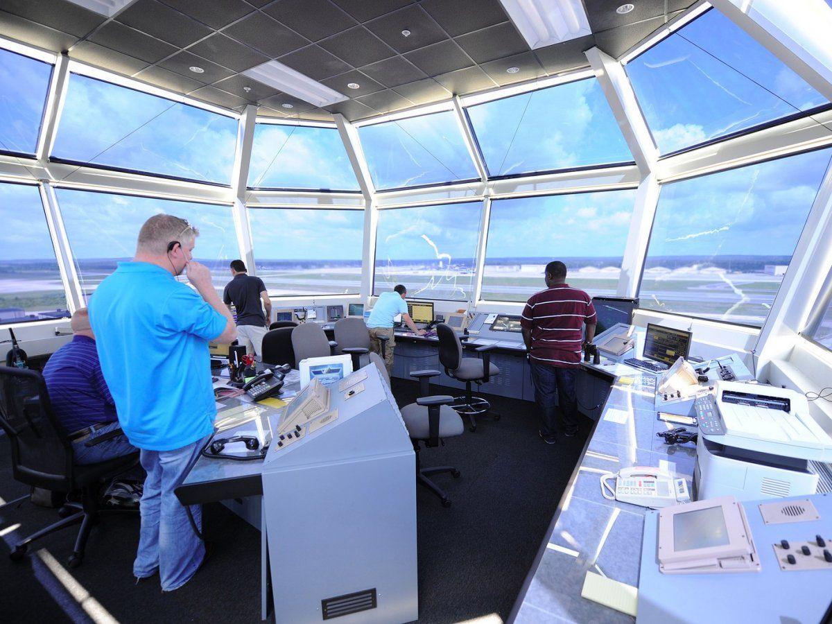 air traffic controller fj Air traffic control, College
