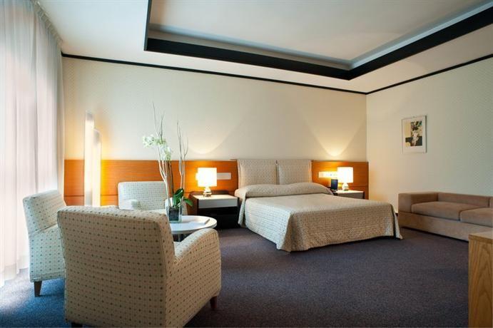 Hotel Deal Checker - Hotel President Lecce