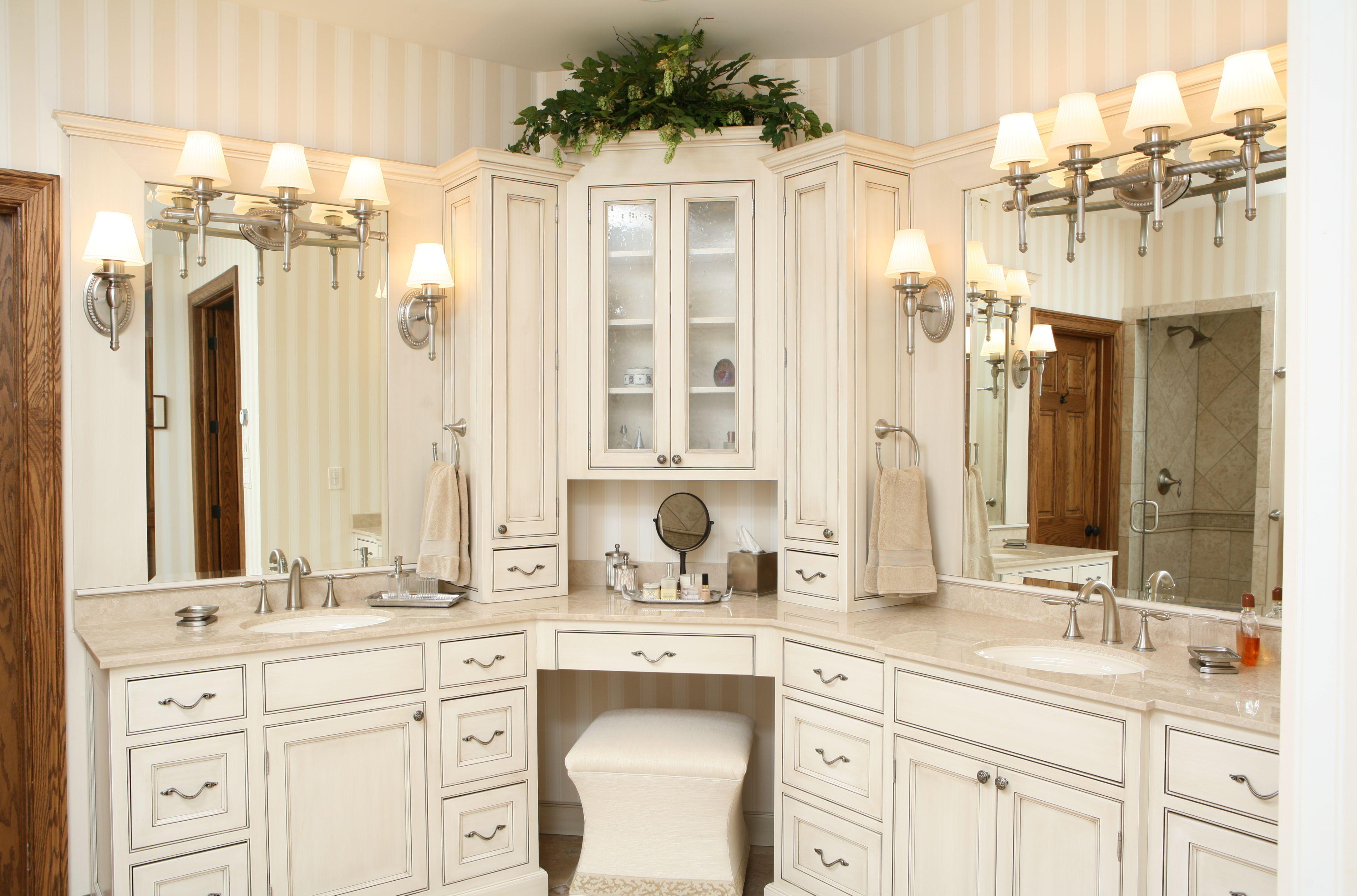 Sweet Peas Design Master Bathroom (With images)   Corner ...