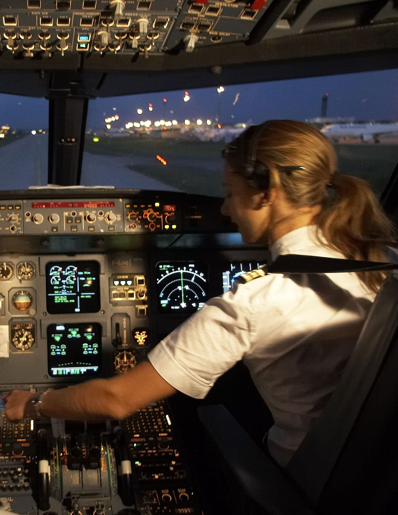 Pin By Joanne Doyle On MY YEARS AS A FLT ATT Pinterest - Airline captain takes amazing photos from his cockpit and no theyre not photoshopped