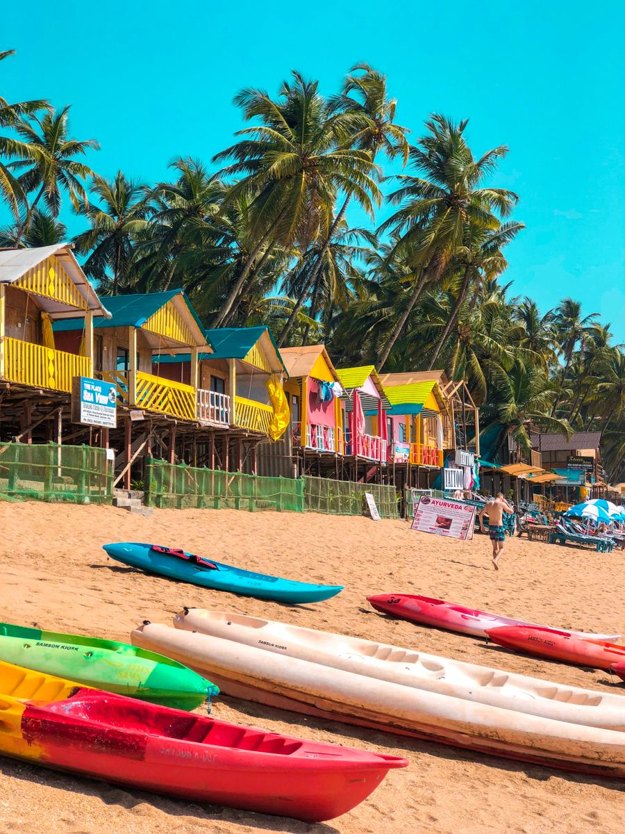 Palolem beach is one of the best beaches in south goa and also in india! Known for kayaking, boat trips, beach shacks and beach huts. #Palolembeach #southgoa #goaindia #goa #bestbeaches #indiatravel #indiatourism #incredibleindia