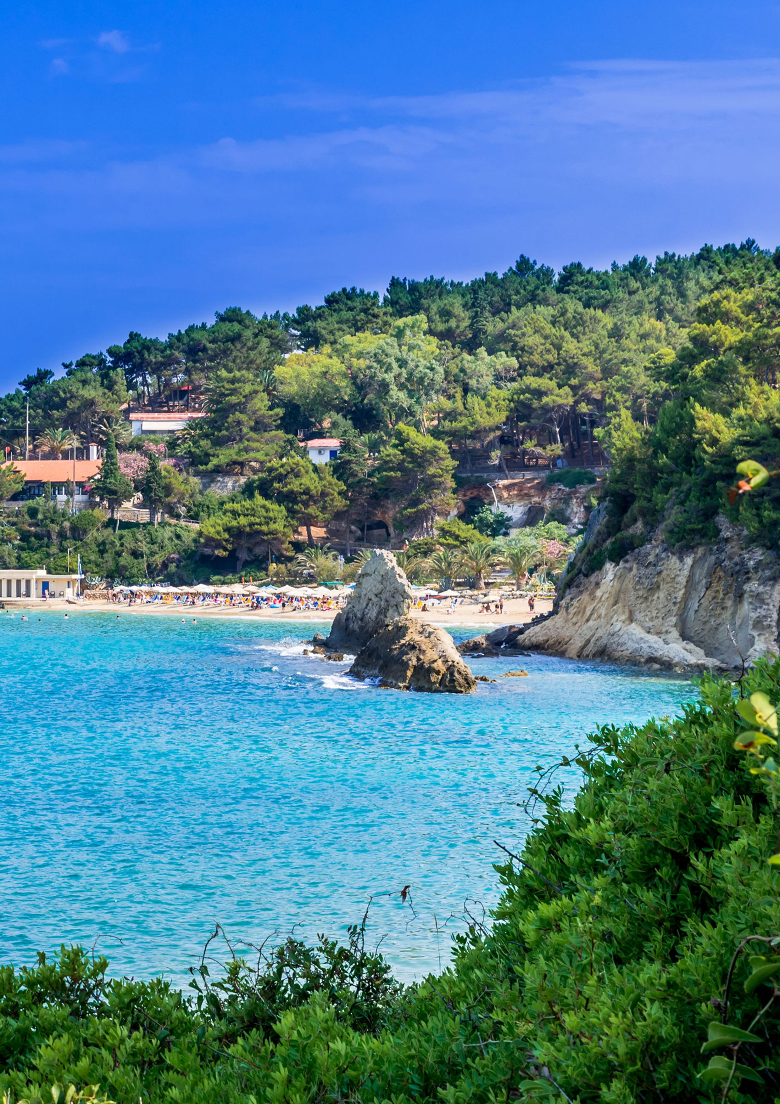 Argostoli The Capital Of Kefalonia The Largest On The Island Is An Attractively Laid Out Greek Town With Small Squares And Court Griekenland Eiland Grieks