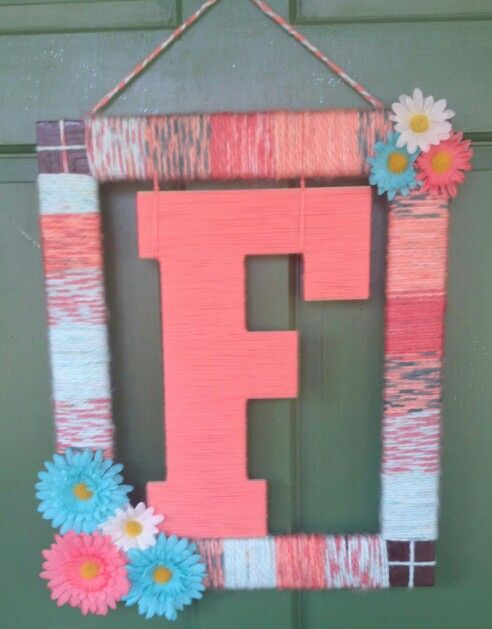 Initial summer yarn wreath
