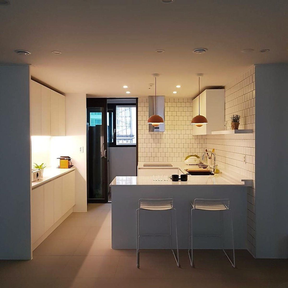 By 꿀하우스 꿀하우스에서 소개하는 인테리어 중 가장 많은 분야를 차지하는 공간이 주방 거실 침실 부엌 인테리어 디자인 부엌 디자인 부엌 구조