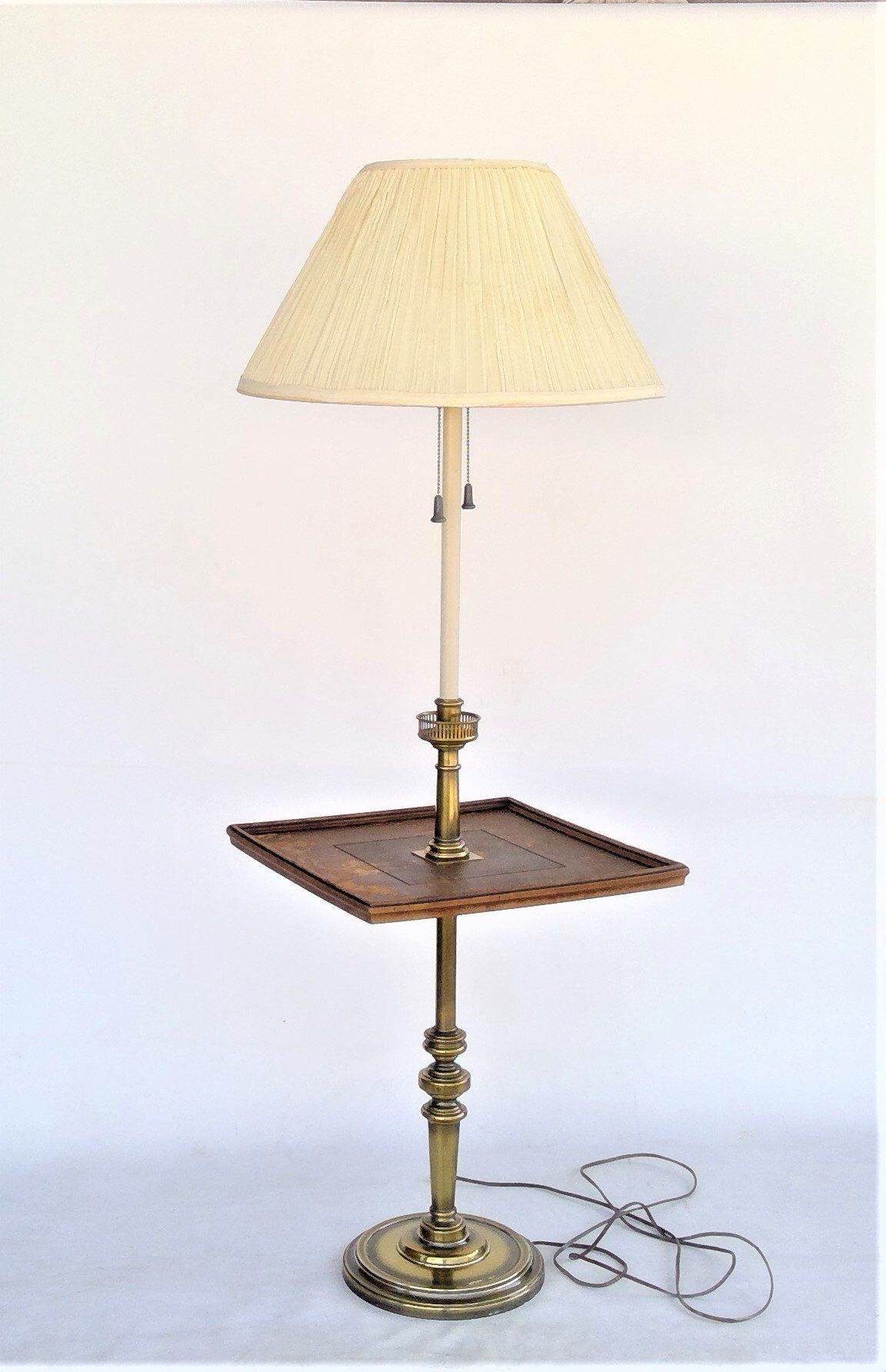 Http Images1 1stdibs Com Archivese 1stdibs 102711 Monumentsf Lb1027 5 X Jpg Lamp Vintage Lamps Stiffel