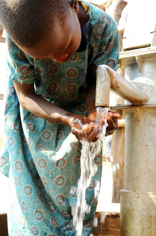 Clean water is vital    © Tine Frank Uganda