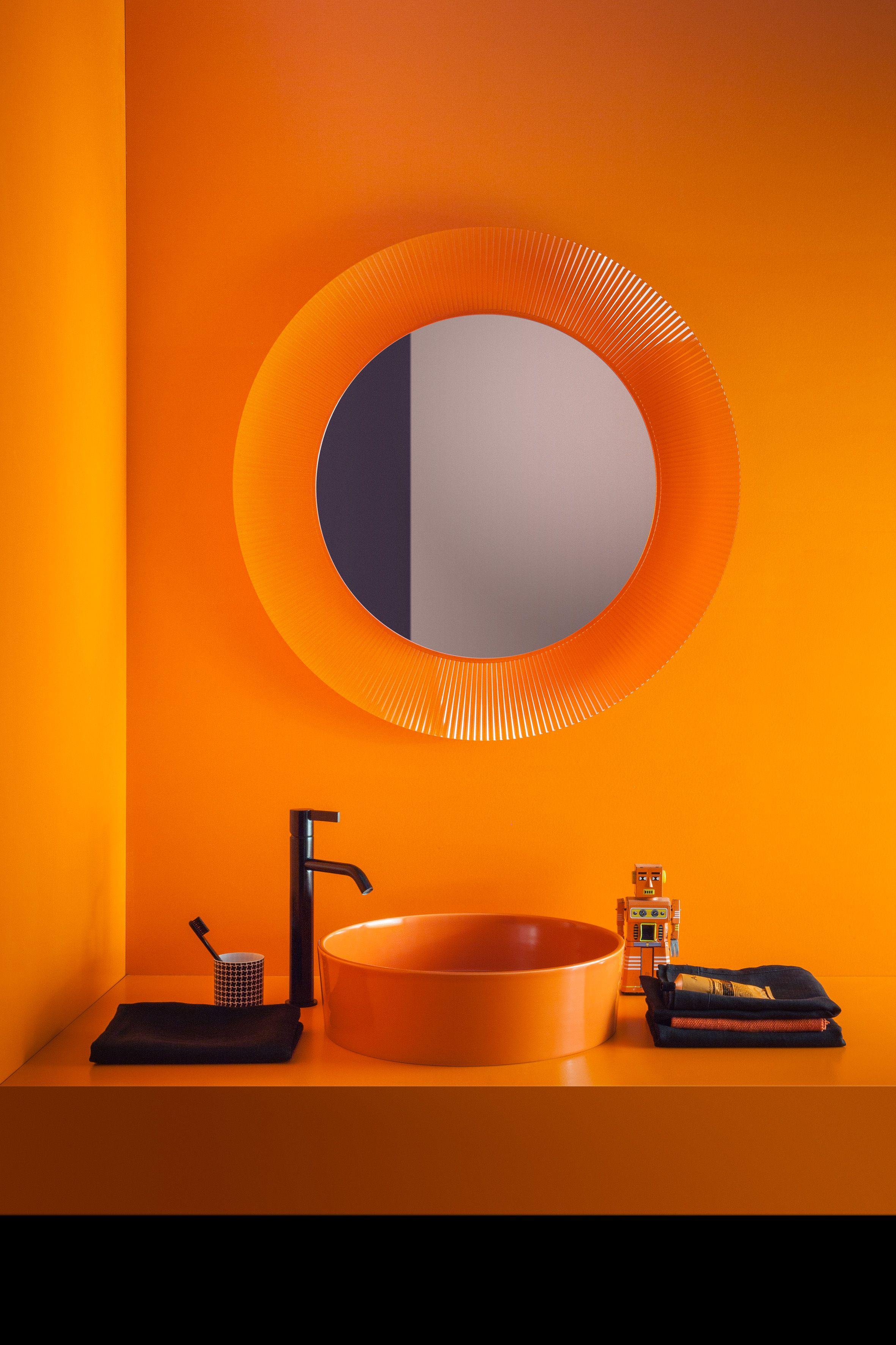 Meuble Salle De Bain Kartell ~ salle de bain kartell by laufen lavabo et miroir coloris orange au