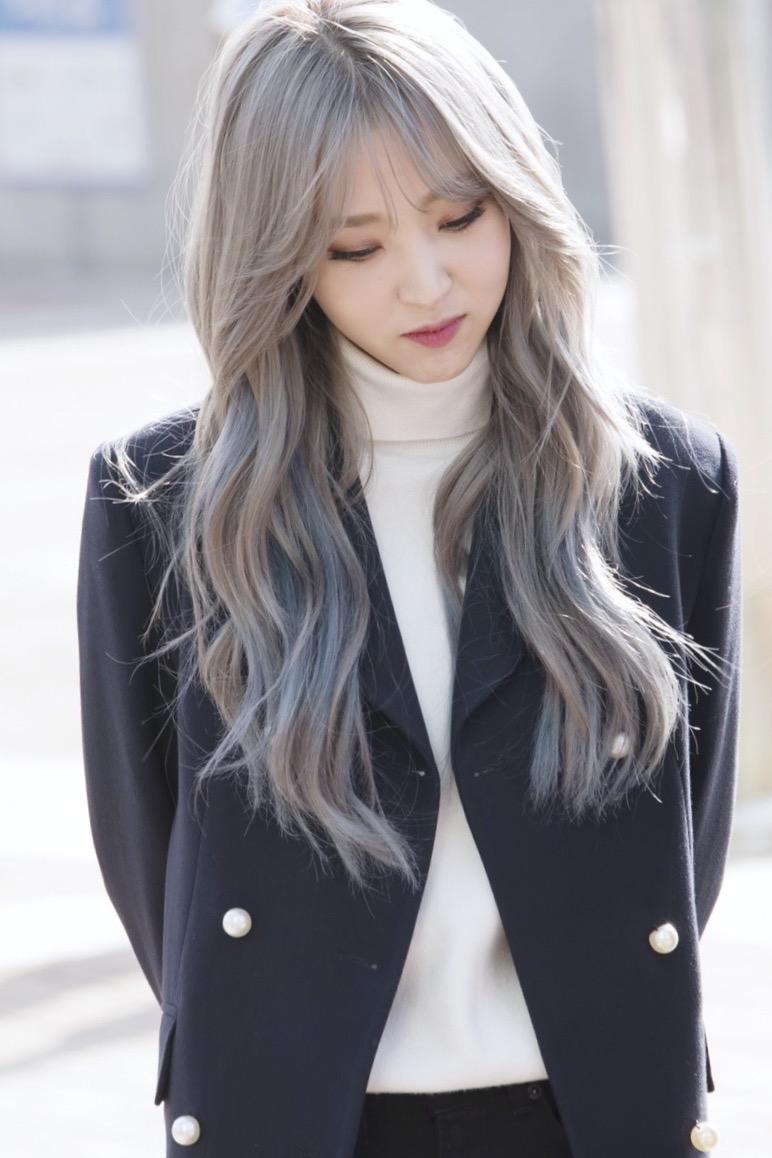 Pin By Missonblack On K Pop Idols Korean Hair Color Korean Hair Color Ash Kpop Hair Color