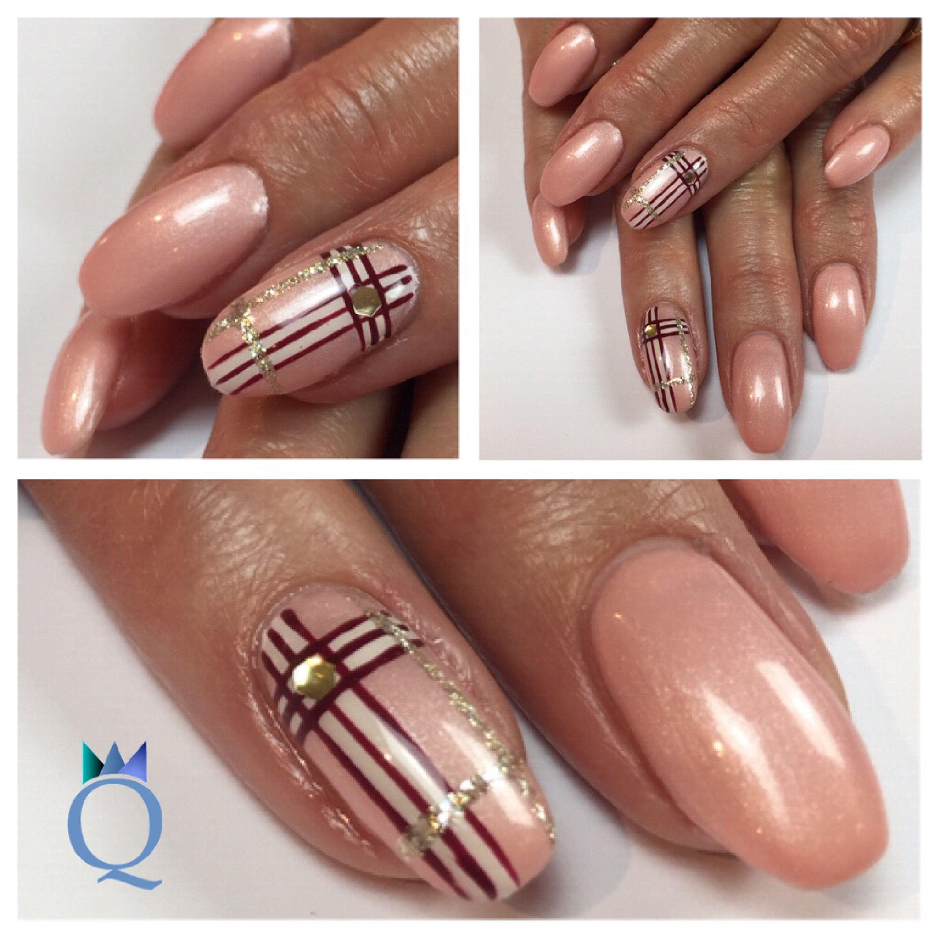 shortnails #gelnails #nails #rose #handpainted #nailart #checkered ...