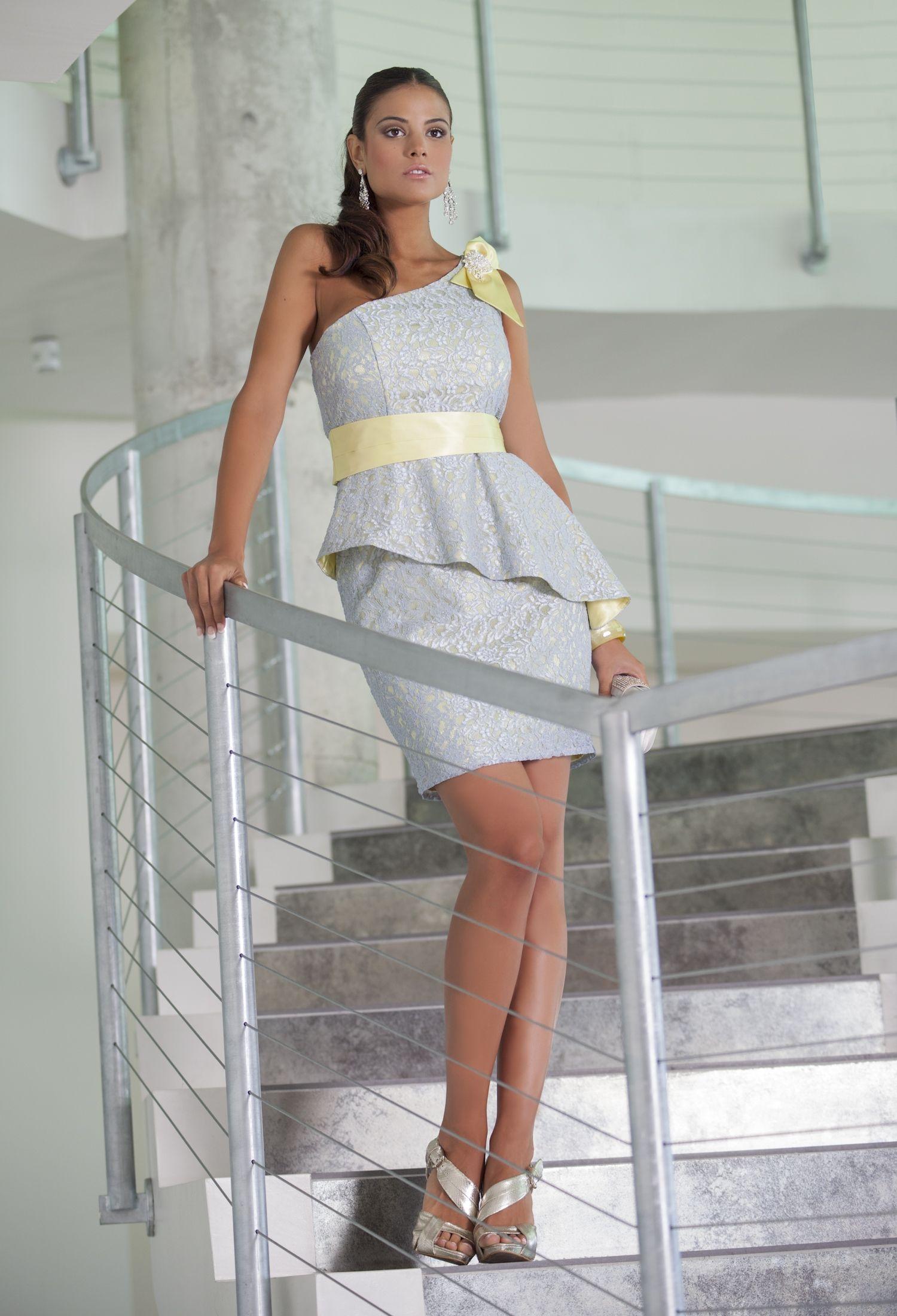 4773 (Vestido de Fiesta). Diseñador: Moncho Heredia. ...