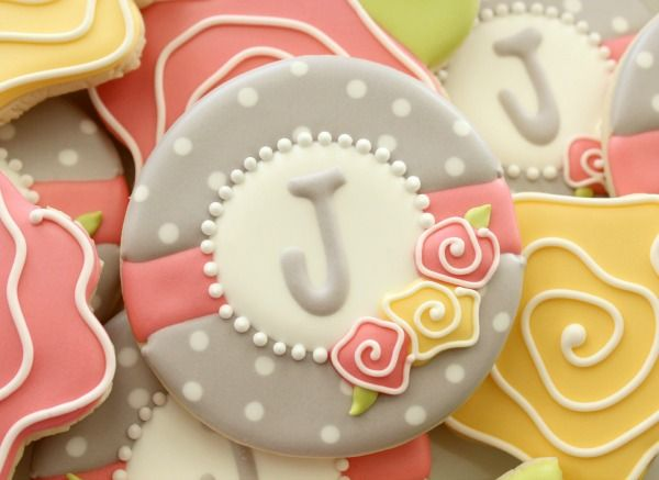 Floral Monogram Cookies Close Up oh oh oh the colors are so nice, and sweet sugar belle tells you how to mix them to get it right!!!