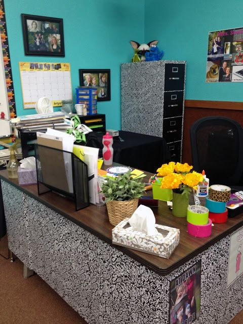 Controlling My Chaos August 2013 Teacher Desk School Office Decor Teacher Desk Organization