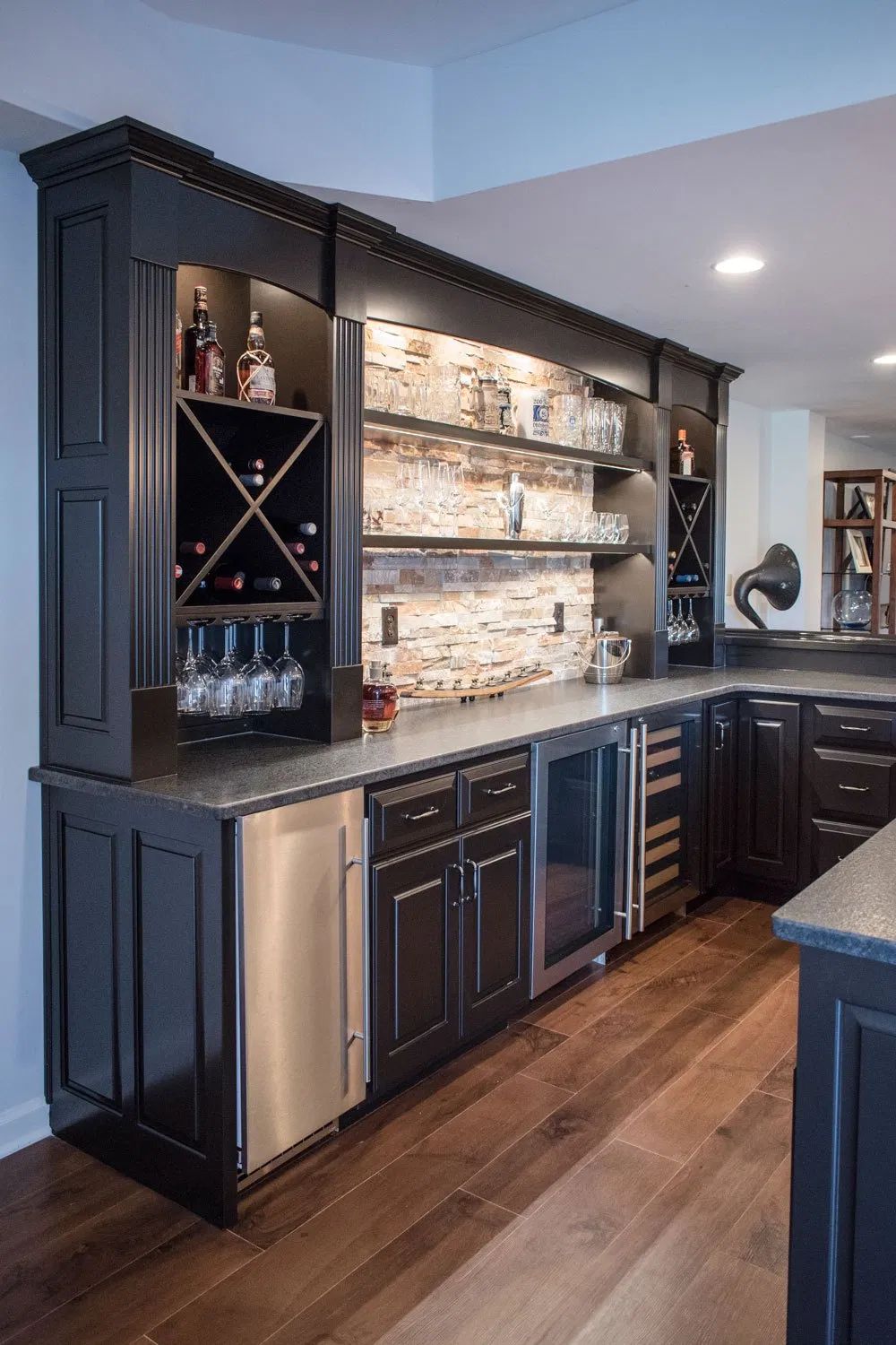 Amazing and Cool Design Basement Bar for Your Home   Home bar ...