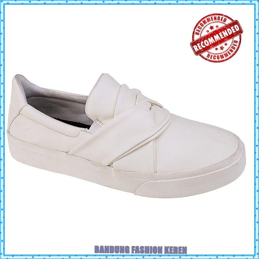 Pin Di Sepatu Distro Bandung
