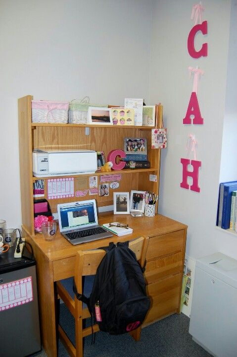 Cute desk space!