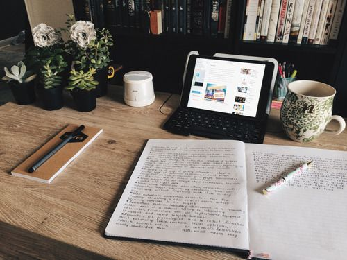 Image de book, desk, and notebook