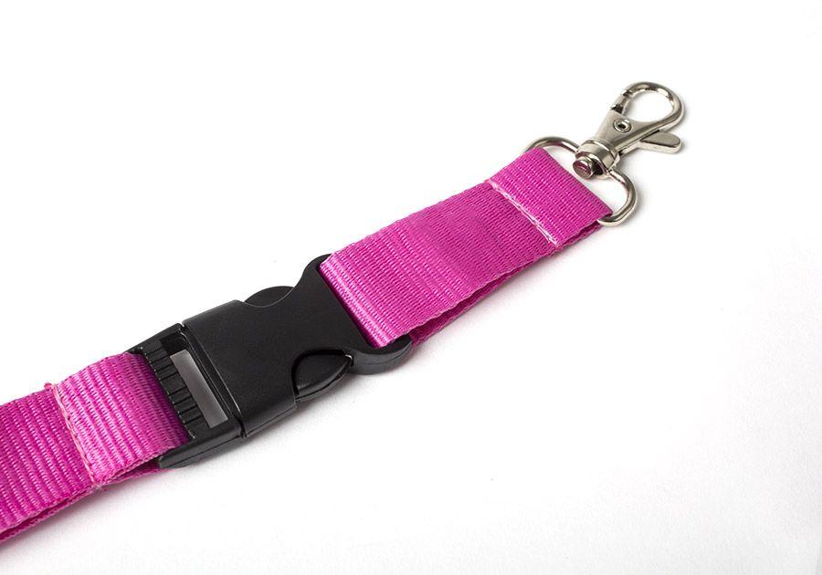 ¡Para todas tus acreditaciones es imprescindible añadir una cinta de cuello personalizada!