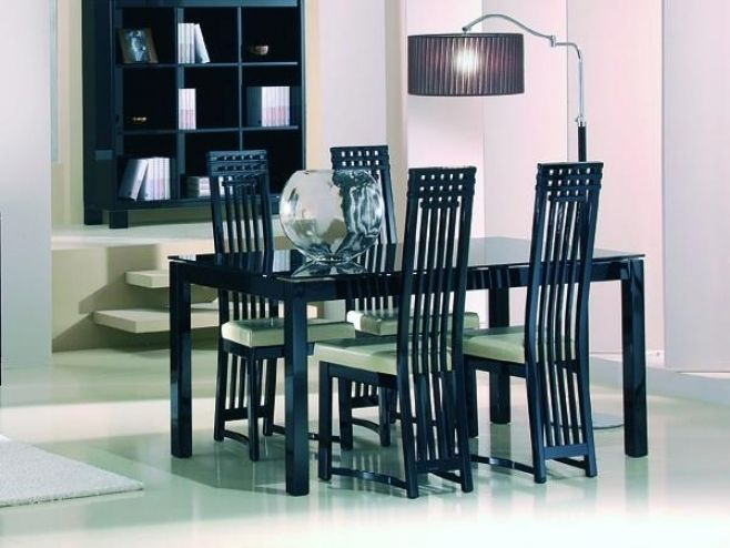 Casabella Black Or White Gl High Gloss Dining Table In 2 Sizes Diningroom Diningtable Modernfurniture Homedecor Interiodesign Furniture