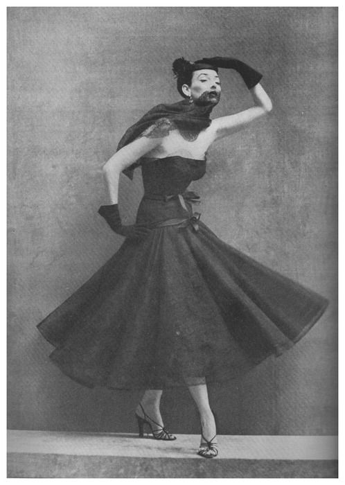 Balenciaga gown photographed by Richard Avedon for Bazaar, September 1952 issue
