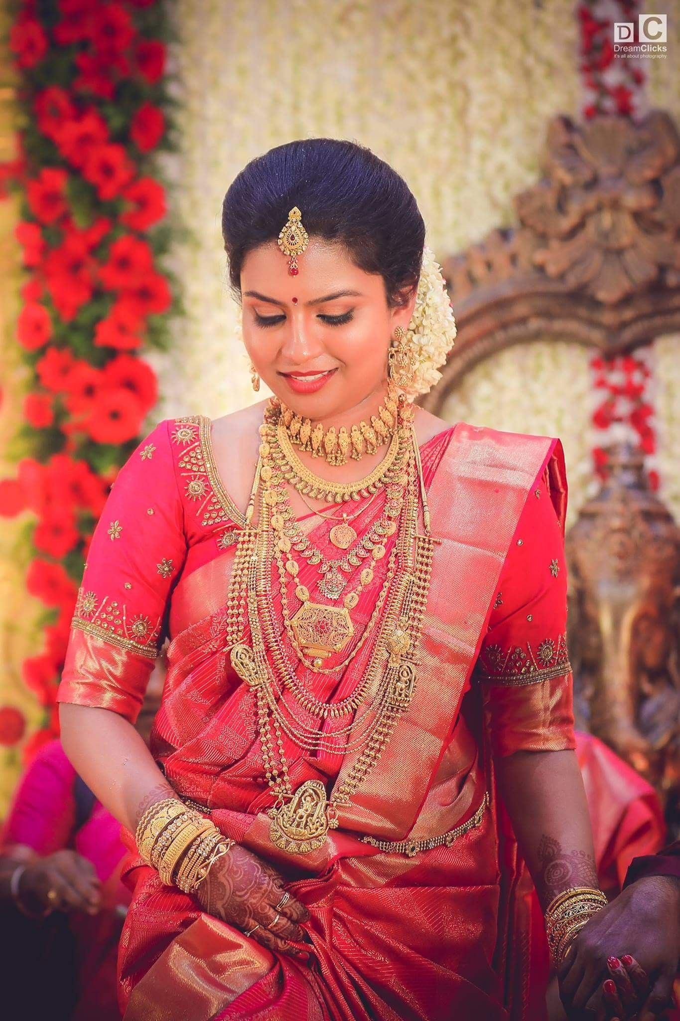 different hairstyles for kerala saree