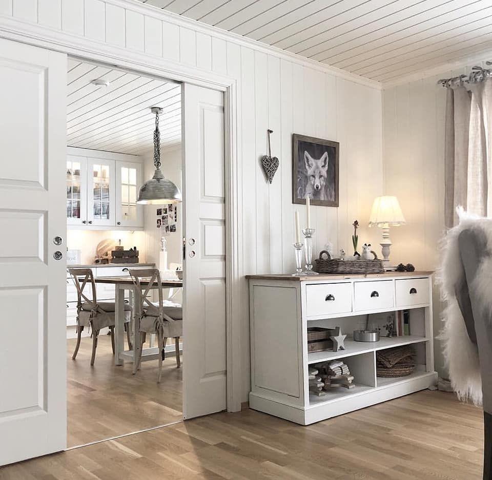Una splendida casa di campagna norvegese arredamento di for Interni case classiche