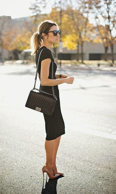 c9a21f637d7 Vestido preto básico tubinho scarpin nude bolsa boy chanel