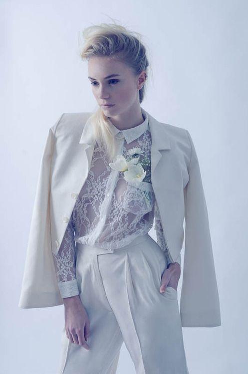 Resultado de imagen para white suit wedding women | novias ...