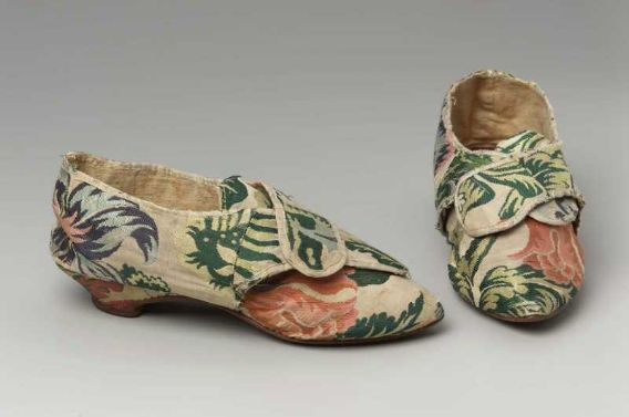 woman's buckle shoes, (one of a pair) English, 1780, silk, brocade, leather, linen lining.