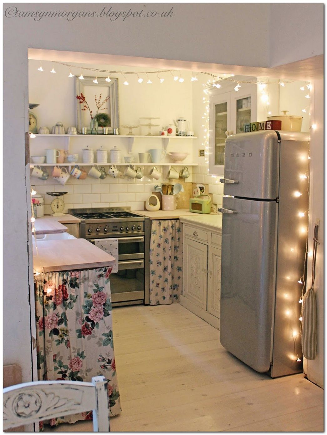 Lovely Apartment Kitchen Ideas Decoration 50 Ideas To Decorate Small Apartment On A Bud Diy Small Apartment Cozy Apartment Decor Small Apartment Kitchen
