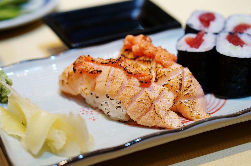 Foto Foto Makanan Sushi Dengan Menu Ikan Salmon Photography