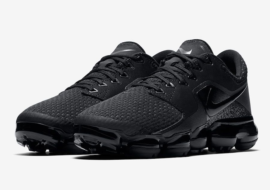e1eac861e70 Official Images Of The Nike Air VaporMax CS Triple Black