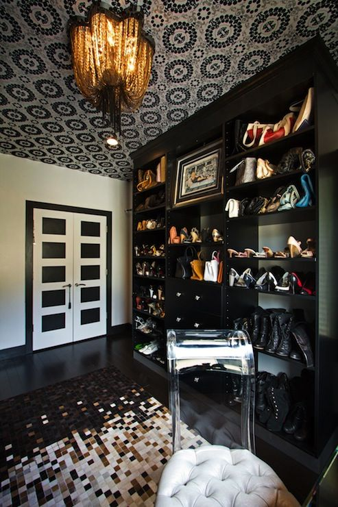 closet, chic closet, rock and roll, black and cream wallpapered ceiling