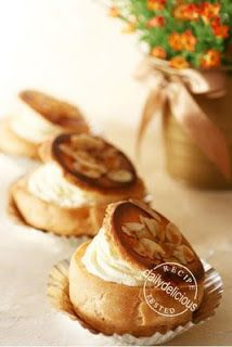 dailydelicious: Japanese Choux Cream Variation: Caramel Top Choux ...
