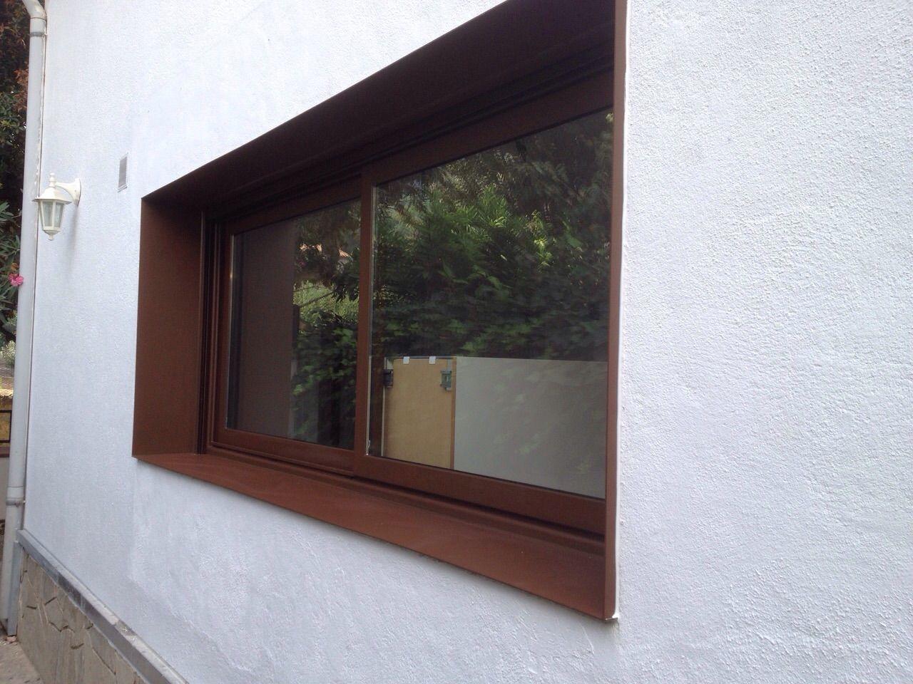 Ventana de aluminio fabricada en carpintería de aluminio acabado ...