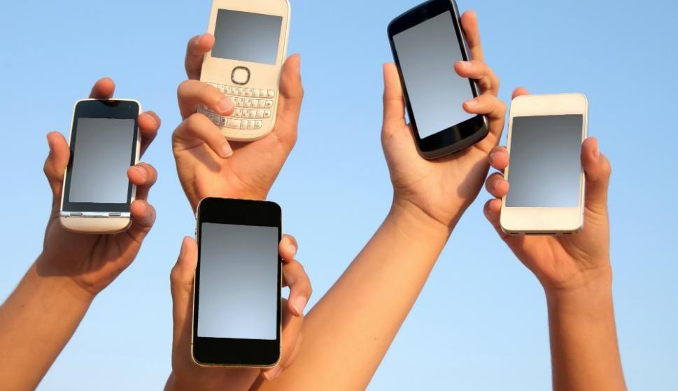 La Segunda Vida De Los Viejos Dispositivos Móviles Domingo últimas Noticias De Uruguay Y El Mundo Actualizadas Viejitos Dispositivos Moviles Segunda Vida