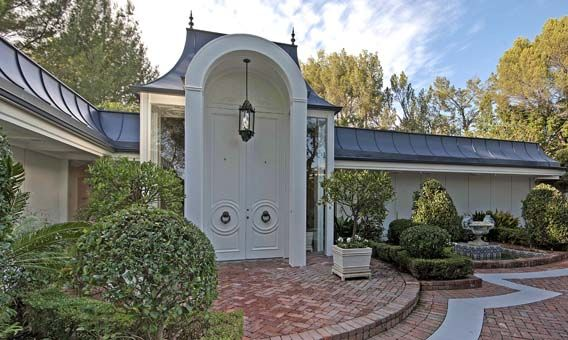 Presley Homes Floor Plans: Elvis Presley's Former Home In Beverly Hills Is Leased Out