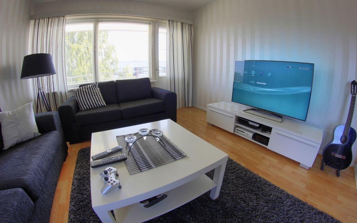 Simple but Beautiful Gamer Room Idea