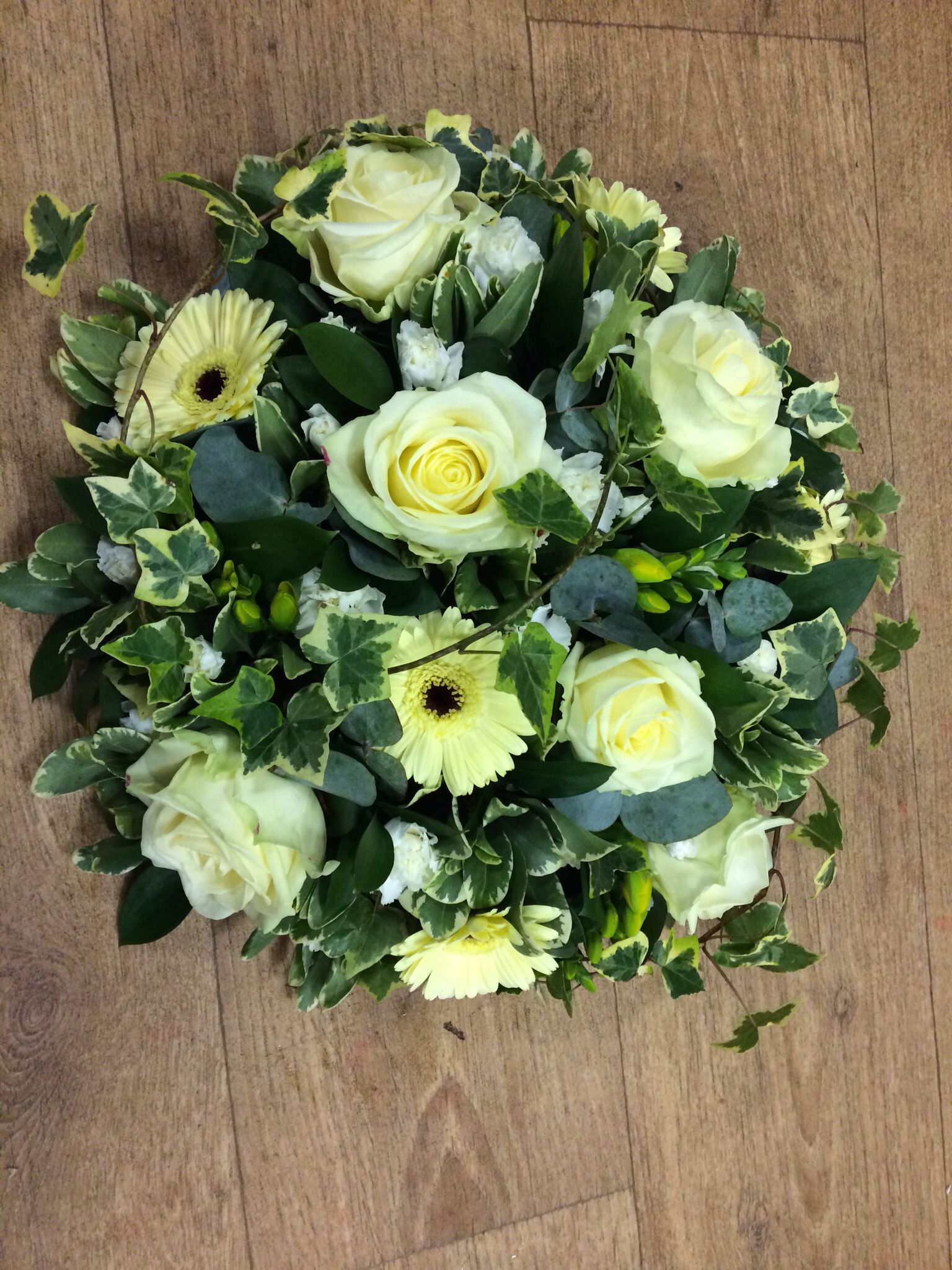 Simple and classy posy pad Floral Pinterest