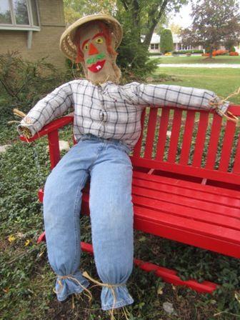 How To Make A Scarecrow Make A Scarecrow Scarecrows For Garden