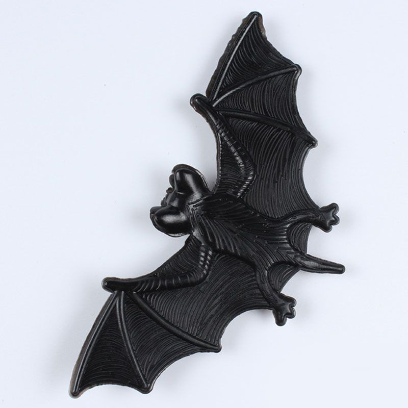 Halloween Tricky Props Amusing Rubber Simulation Bat Wall Hanging ...