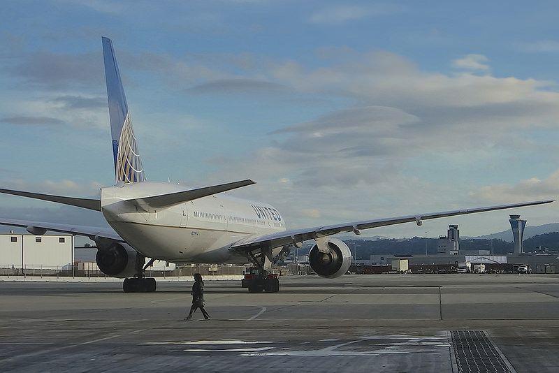 United Airlines 777 N229UA SFO 2014