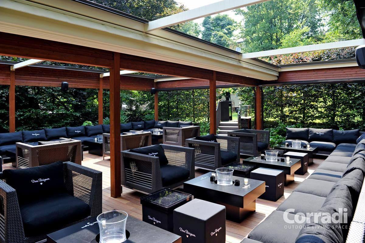 Coberti pergotenda 100 en terraza de restaurante for Toldos para patios